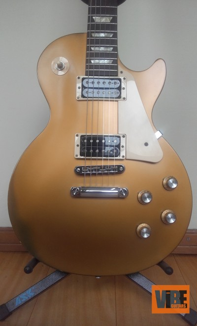 Gibson Les Paul Tribute'50.  Ano 2012